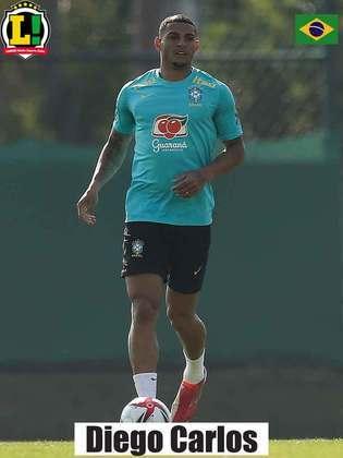 Diego Carlos - 6,0 - Autor do primeiro gol da Seleção, falhou no segundo gol dos Emirados Árabes Unidos junto de Nino.