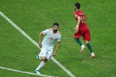 Diego Costa fez dois dos três gols da Espanha no jogo
