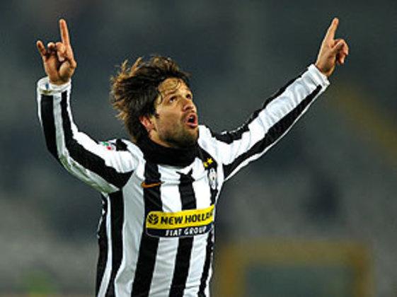 Diego - meia - 2009/2010 - 47 jogos e 7 gols - Clubes no Brasil: Santos e Flamengo