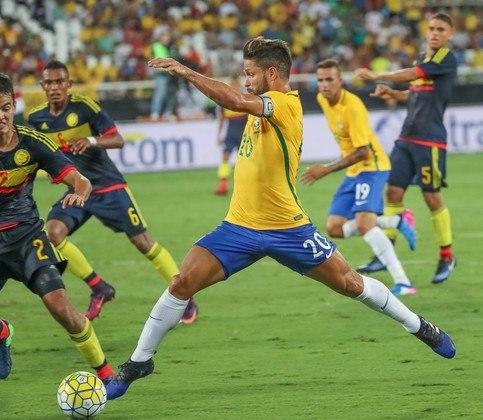 Diego Ribas, do Flamengo, com passagens por grandes clubes europeus como Wolfsburg-ALE, Juventus-ITA e Atlético de Madri é o meia-atacante que irá distribuir o jogo para a seleção dos medalhões