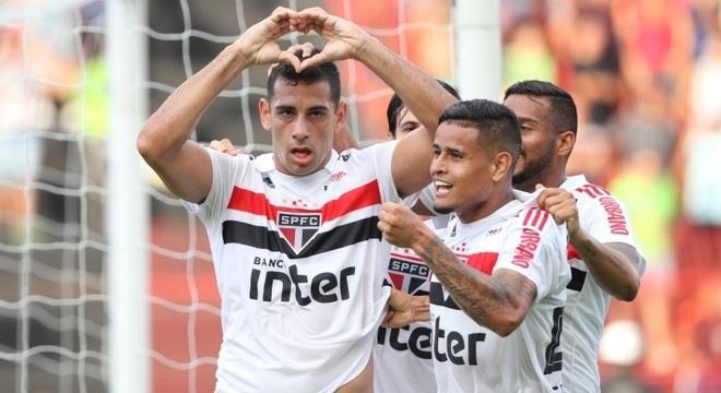 Diego Souza marca contra o Sport, mas demonstra respeito pelo ex-clube