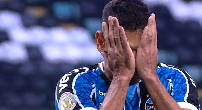 Diego Souza sabe o quanto sua carreira perdeu em 2012. Trauma só piorou