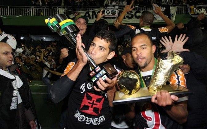 Diego Souza: revelado pelo Fluminense, foi logo vendido ao Benfica e depois foi emprestado para o Flamengo. Também passou pelo Atlético-MG em 2010 e após passagem pelo Al-Ittihad, jogou pelo Cruzeiro por um ano.