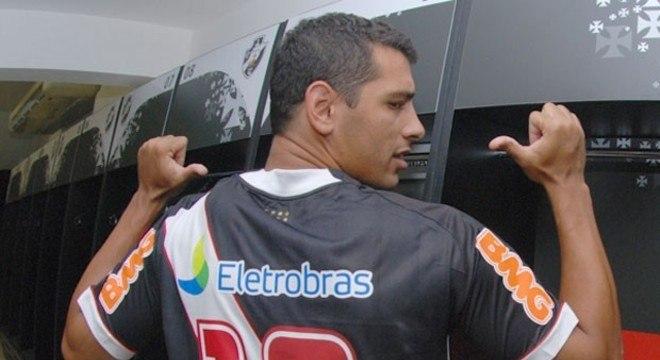 Diego Souza - Vasco - Assim como Alecgol, Diego Souza chegou ao Vasco para melhorar o ataque. Foi também campeão da Copa do Brasil, mas ficou marcado pelo gol perdido contra o Corinthians, na Libertadores de 2012.