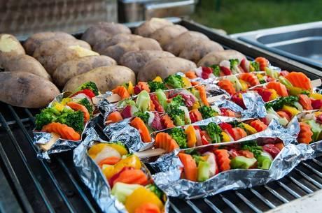 Dieta vegana precisa suprir falta de proteína animal