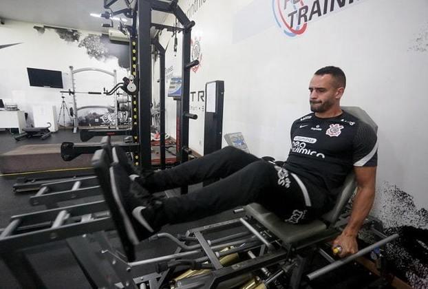 Diferentemente de Giuliano, Renato ainda passa por avaliações com a fisioterapia.