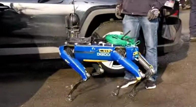 Polícia de Nova York desistiu de usar o cão-robô da Boston Dynamics em suas ocorrências