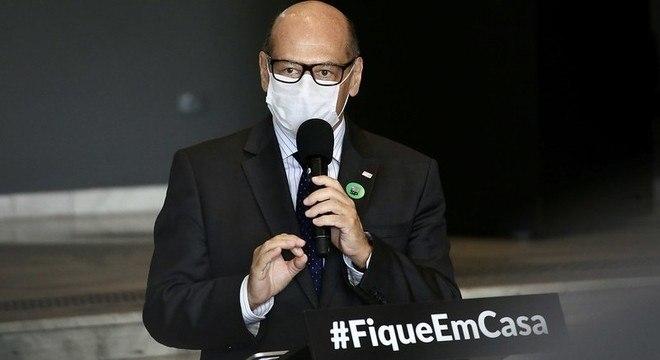 Dimas Covas prevê a chegada da vacina à população no início de 2021