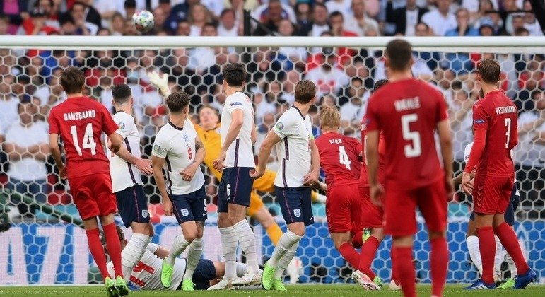 Detalhe do Gol de Damsgaard, Dinamarca 1 X 0 Inglaterra