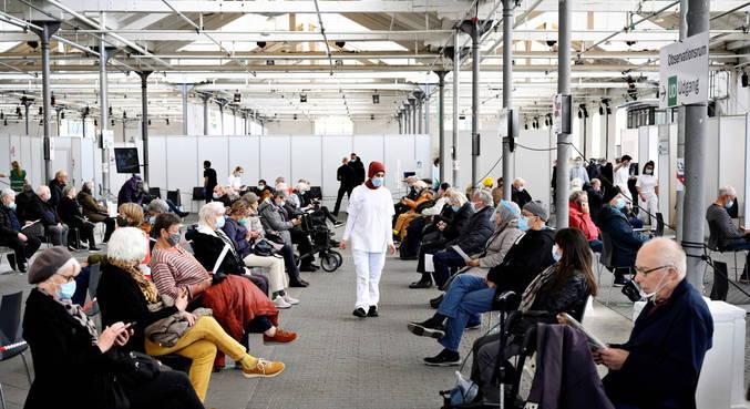 Dinamarca acelera reabertura com situação sob controle da pandemia