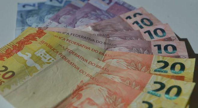 Salário mínimo terá correção apenas pela inflação a partir do ano que vem
