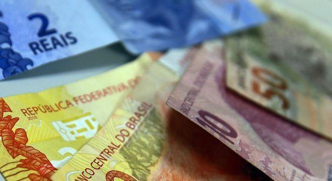 Entre 44 moedas de países desenvolvidos e emergentes, real foi o que mais se desvalorizou