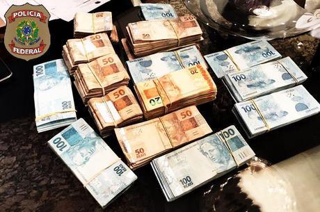 Operação investiga crimes de peculato e corrupção