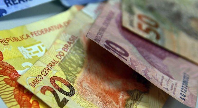 Segundo a Serasa, valor médio de cada conta em atraso é de R$ 1.162,43