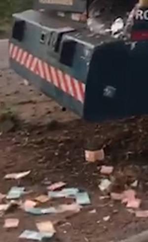 Após explosão, dinheiro ficou jogado no chão de rodovia