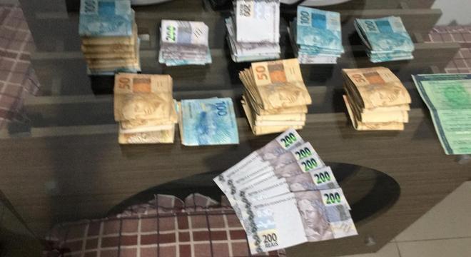Dinheiro apreendido em operação deflagrada nesta quarta-feira (18)