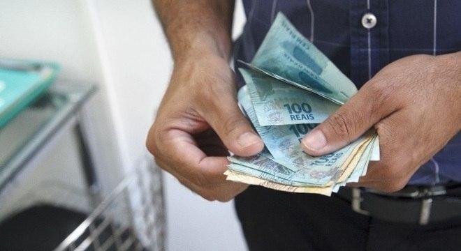 A parcela mínima do seguro-desemprego passa de R$ 998 para R$ 1.039