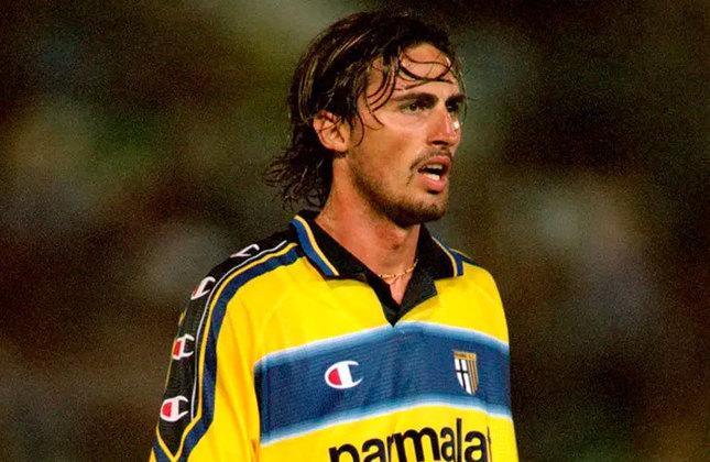 Dino Baggio: Embora não seja o mais famoso, Dino Baggio, que não tem parentesco com o atacante Roberto Baggio, era um dos mais identificados com a torcida do Parma. Depois da aposentadoria, ele se lançou no mundo artístico, fazendo algumas encenações no teatro. Ele também foi assistente técnico do time juvenil do Padova, mas ficou apenas um ano.
