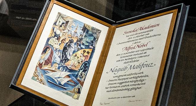 Diploma do Nobel de Literatura de Naguib Mahfouz