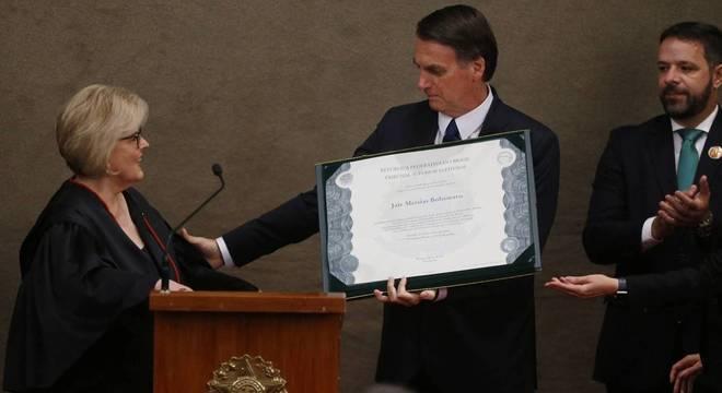 Diploma autoriza Bolsonaro e o vice a tomar posse no dia 1º de janeiro