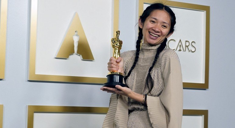 Chloé Zhao levou a estatueta de Melhor Direção por 'Nomadland' no Oscar 2021