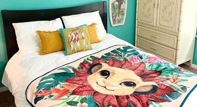 """O quarto de hóspedes com o desenho do Simba de """"Rei Leão"""""""