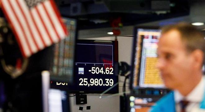 Bolsas do mundo amargam disputa comercial não resolvida entre China e EUA