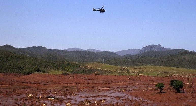 Pesquisadore iniciaram análises antes mesmos dos rejeitos chegarem ao Rio Doce