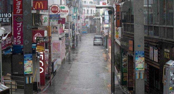 Distrito Harajuku, um dos mais agitados de Tóquio, ficou vazio