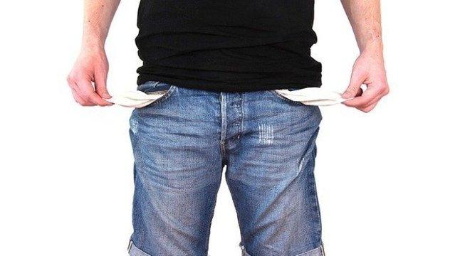 Renegociar contas fixas pode ajudar a estabilizar orçamento, dizem especialistas