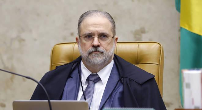 Força-tarefa de Curitiba consome mais recursos que 20 unidades da federação