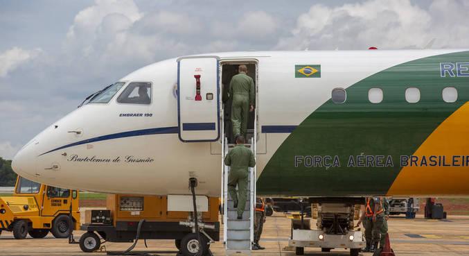 Polícia Federal investiga tráfico de drogas com aviões da FAB