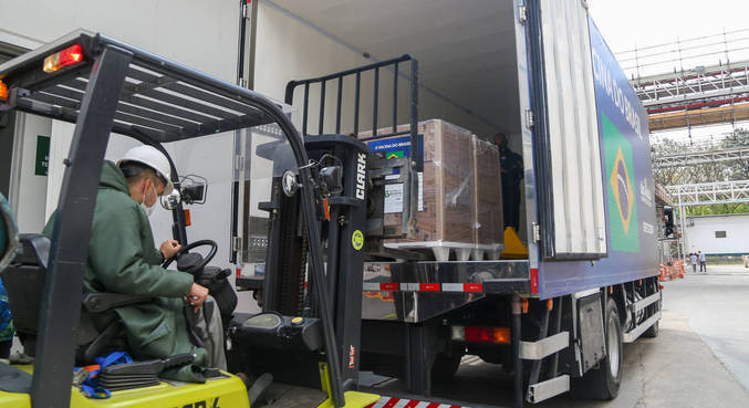 Mais de 21 milhões de doses da CoronaVac foram suspensas pela Anvisa no sábado