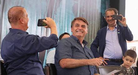 Bolsonaro chamou de frescura fechamento de comércio nos municípios