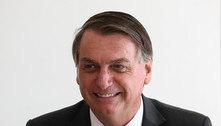 Em SC, Bolsonaro é cobrado por auxílio: 'pede ao governador'