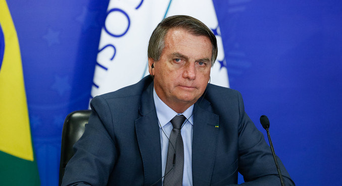 Internado em Brasília, Bolsonaro sofre com crise de soluço e obstrução abdominal