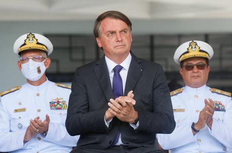 Aprovação de Bolsonaro diminuiu, segundo o Ibope