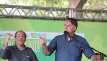 Bolsonaro se irrita com apoiadora, brinca com impeachment e mira 22