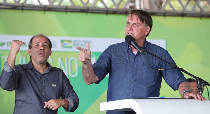 Bolsonaro se irritou e disse não ver a hora de decidir sigla para disputar eleições do ano que vem