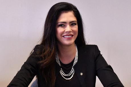 Juliana Domingues é a entrevistada de hoje na Live JR