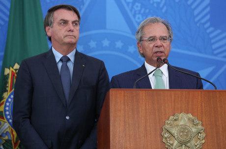Paulo Guedes permanecerá no governo federal