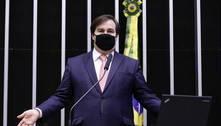 Maia diz que Bolsonaro quer tornar Parlamento anexo do Planalto