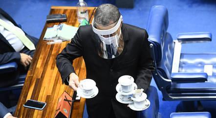 Senadores podem pedir auxílio-moradia de R$ 5.500