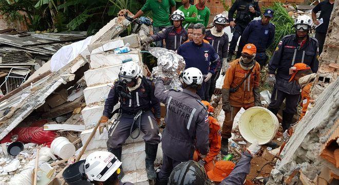 Das sete pessoas envolvidas, quatro morreram e três foram socorridas