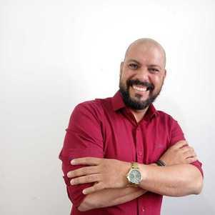 O terapeuta Sérgio Lima é especializado em relacionamentos abusivos