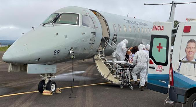 Pacientes de Manaus são transferidos para outras capitais para tratar covid-19