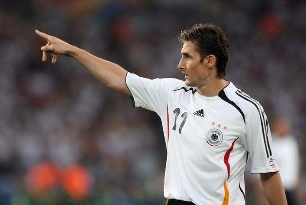 Do lado alemão, que seria campeã do mundo também no Maracanã, nomes como Klose...