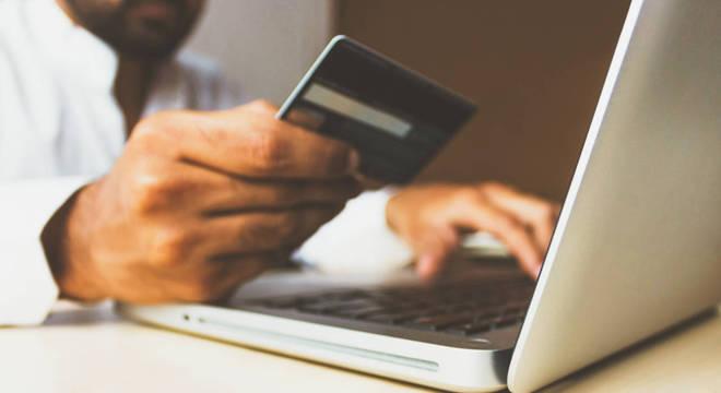 Mais de 135 mil lojas aderiram às vendas pelo comércio eletrônico na pandemia