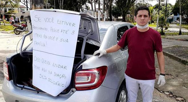 Bruno Sodré distribuiu alimentos em uma praça da cidade