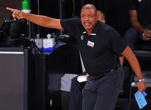 Doc Rivers: o ex-jogador da NBA e atual técnico na liga participou ativamente de movimentos a favor de Biden nas eleições.